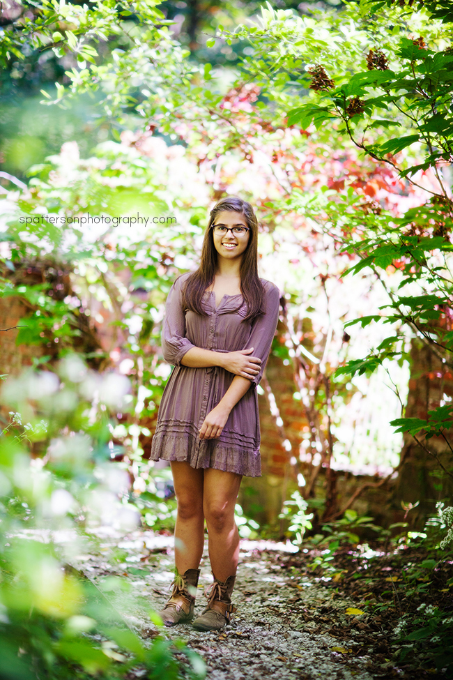 Amy Inniswood Metro Gardens Senior Photos | spattersonphotography.com