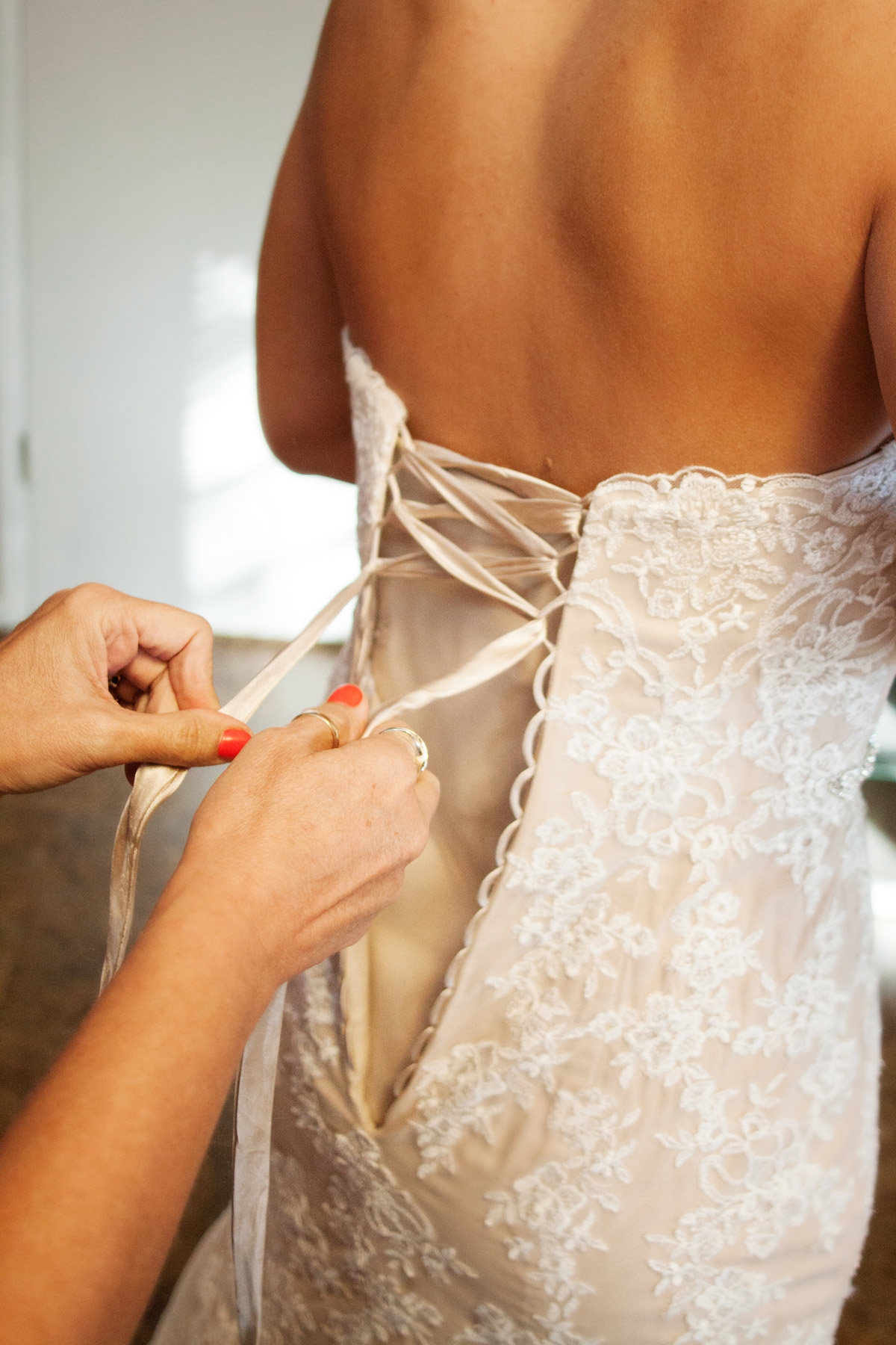 Getting ready photo wedding inspiration